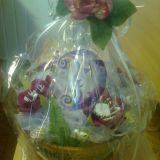 Bordo gėlių krepšelis