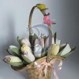 Krepšelis su tulpėmis