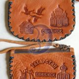 Сувенирный кожаный кошелек.