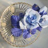 Декор из голубых роз